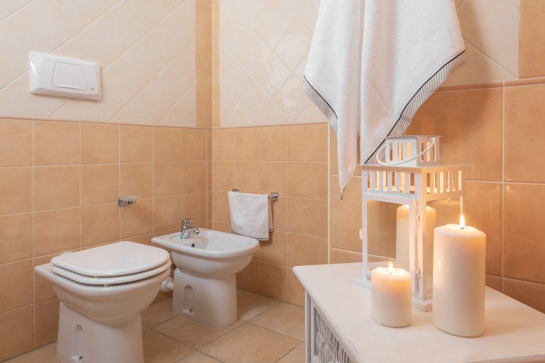 B4 bathroom 2